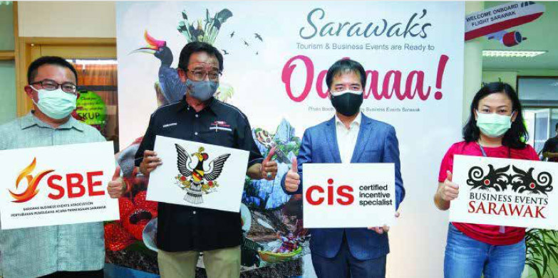 26 local industry partners graduate from CIS course